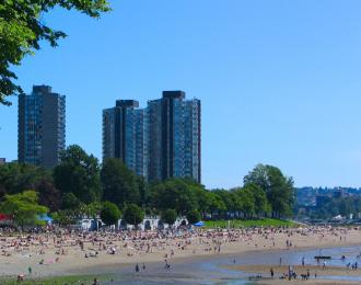 Beach on the side of Stanley Park in Vancouver