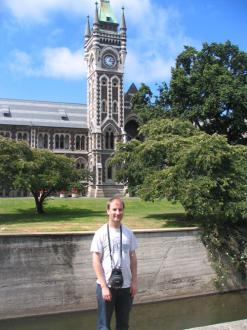 Me (Ryan Hellyer) in front of the registry building at the University of Otago