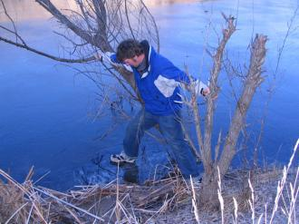 Aardwolfs Southern Migration: Ted trying to stand on the ice on the top basin of the Manorburn dam.