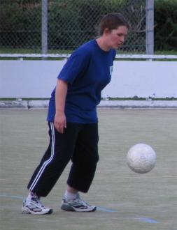 Cushla McGovern levitating the ball