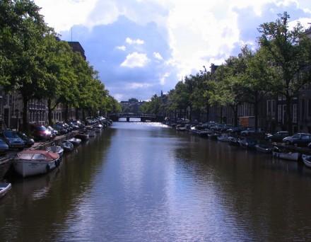 amsterdam_canal_1