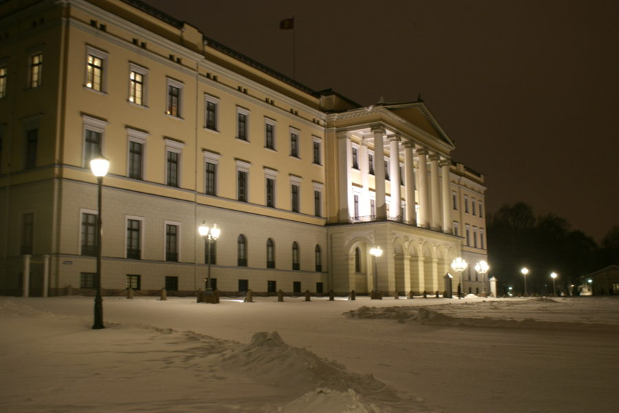 We stopped off at the palace after dinner. I used to live not far from here back when I lived in Oslo.